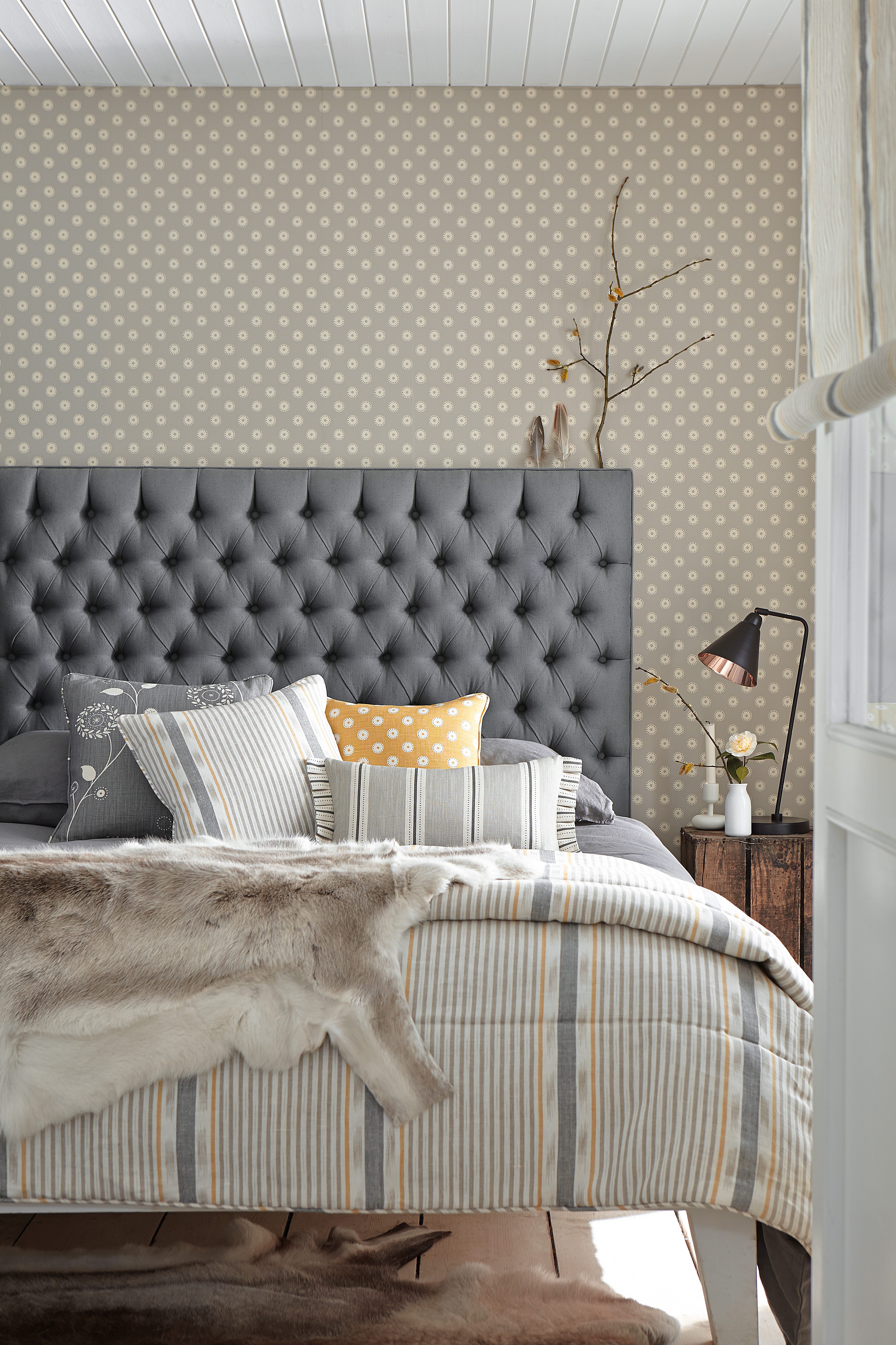 You Can Choose From Hundreds Of Combinations Fabrics And Three Styles Edging To Create A Quilt Or Cushions That Are Perfect For Your Room